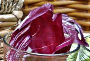 Blutdrucksenkende Lebensmittel Chicoree rot mit viel Kalium